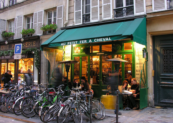 Photo of a little cafe in Le Marais © pippawilson