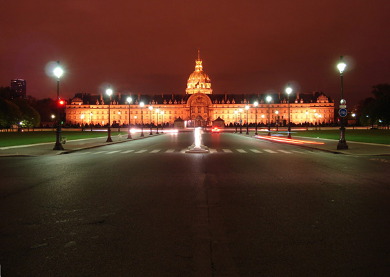 Photo of Les Invalides by night © Free