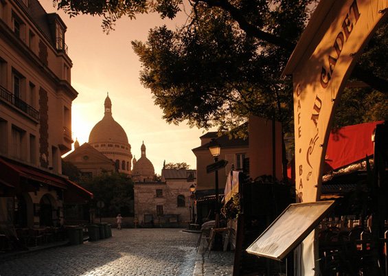 Photo of Montmartre early morning © Hassanbensliman
