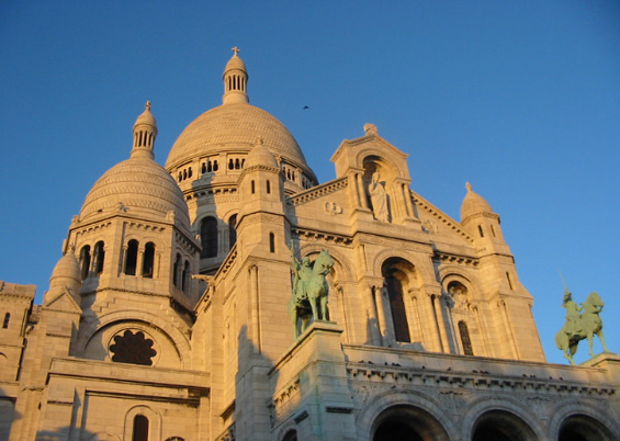Photo: Sunset at the Sacre Coeur © Guillaume Duchene